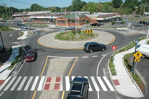 good looking single lane roundabout