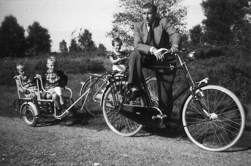Even way back when they had bikes that pulled children